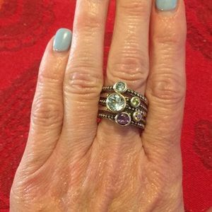 Jewelry - Silver/gold colored stones stackable rings